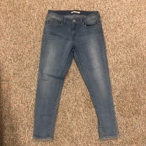 710 Super Skinny LEVI Jeans